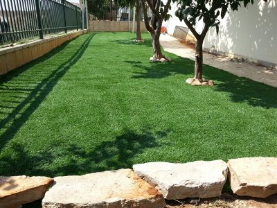 אפשרויות דשא סינטטי