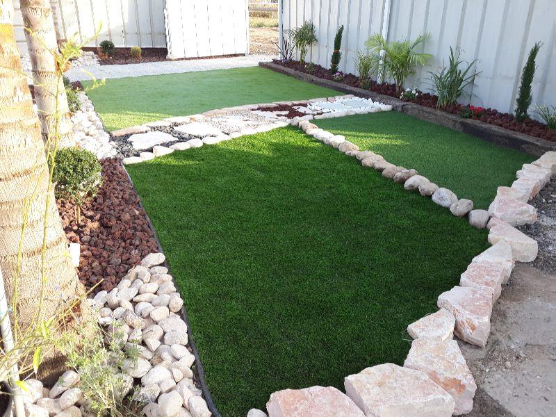 התקנת משטחי גומי או דשא סינטטי?