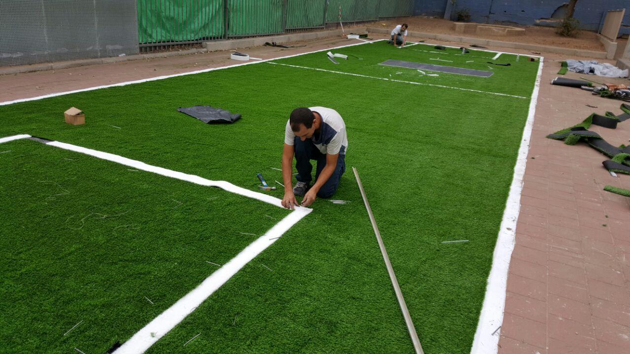 התקנת דשא סינטטי למגרש קט רגל